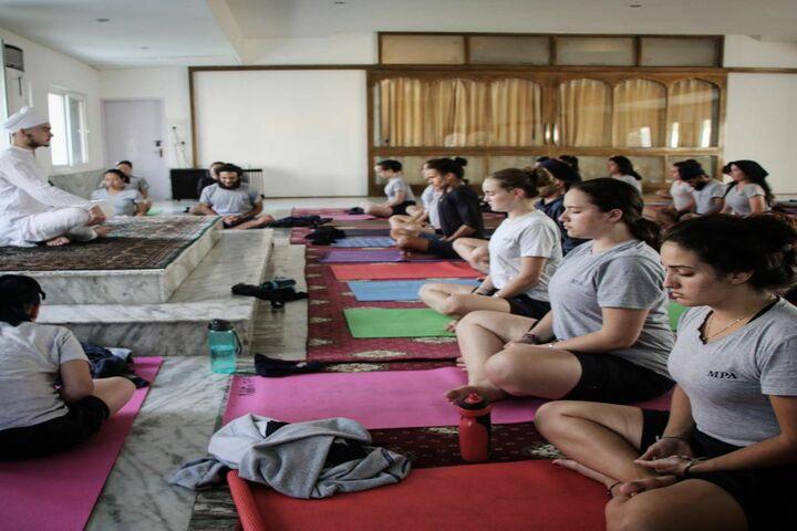 Miri Piri Academy-Yoga Class