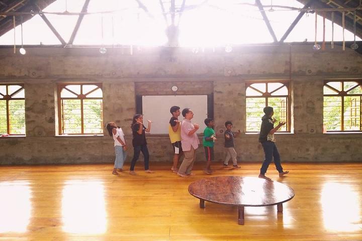 Sholai School-Dance Room