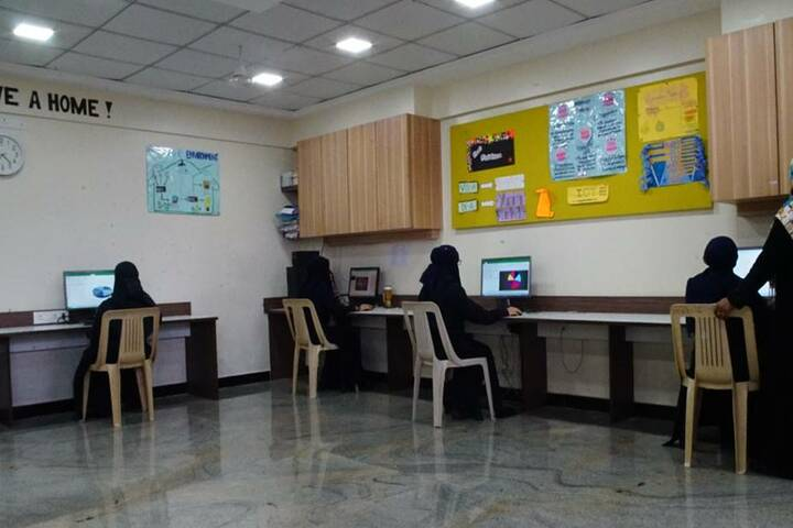 The Bay International School and Junior College-IT Lab