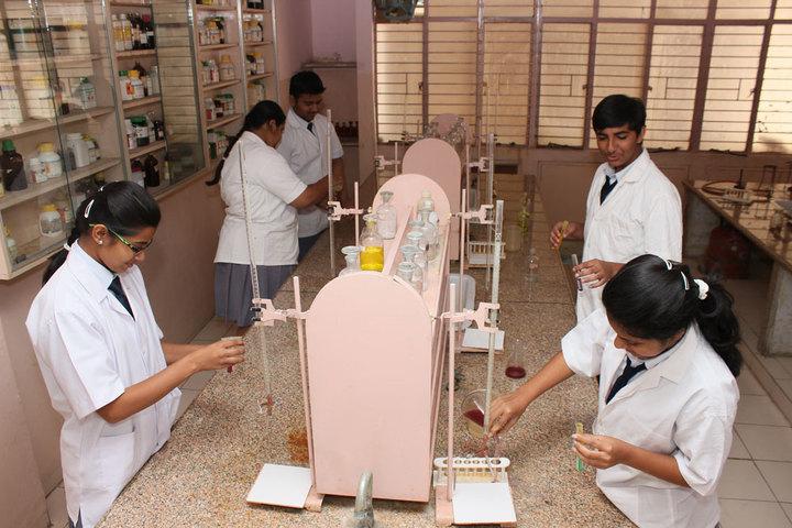 St Kabir School-Chemistry-Lab