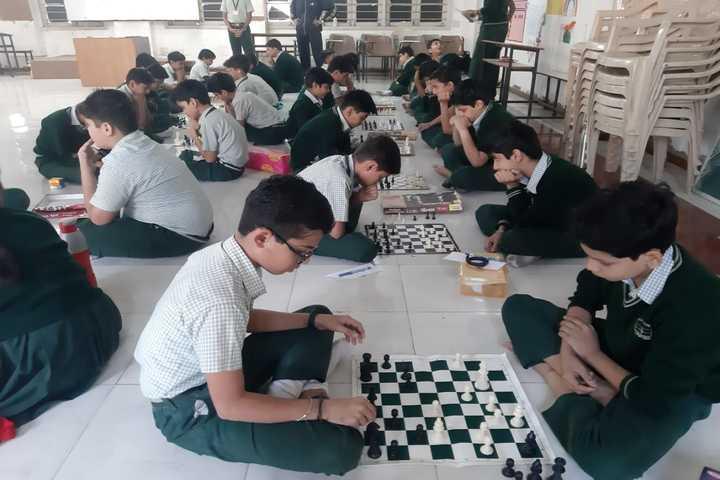 Som Lalit School-Indoor Games