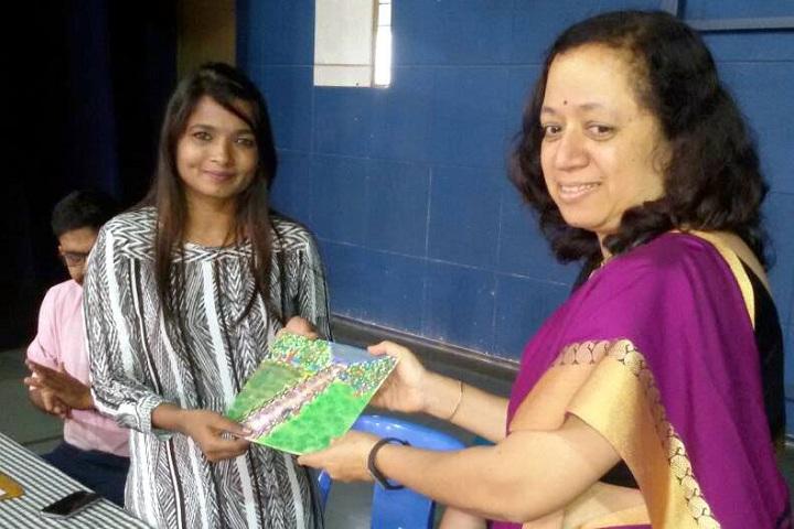 Rani Laxmibai Mulinchi Sainiki Shala-Award ceremony