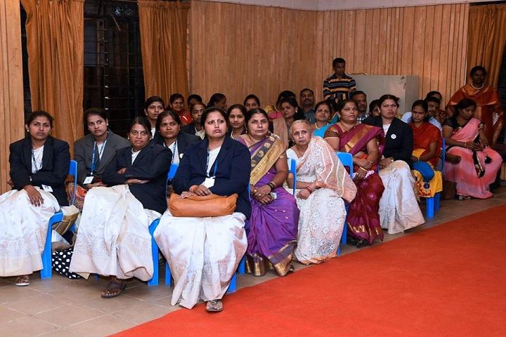 Rani Laxmibai Mulinchi Sainiki Shala-Seminar