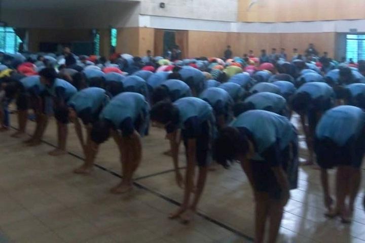 Rani Laxmibai Mulinchi Sainiki Shala-Yoga