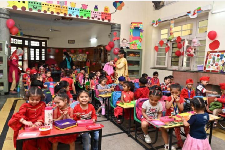 Sant Singh Sukha Singh Khalsa Senior Secondary School-Nusery Class Room