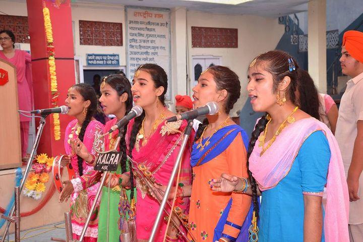 Ajit Vidialay-Singing