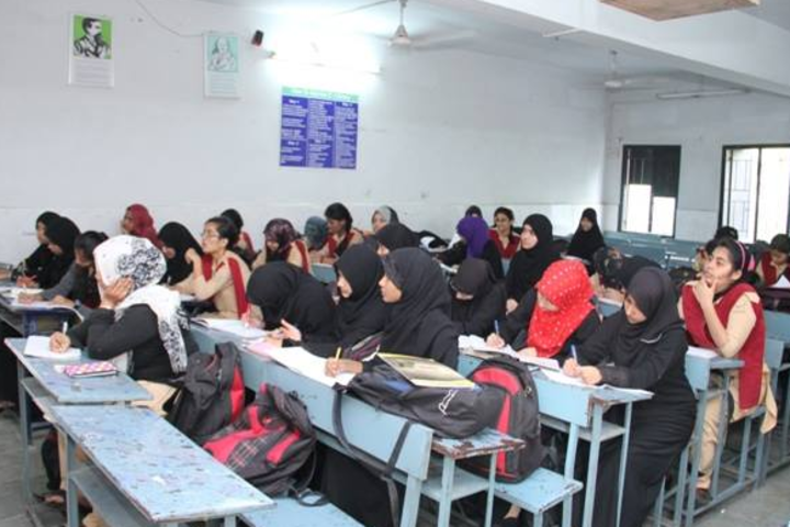 Abeda Inamdar Junior College for Girls-Classroom