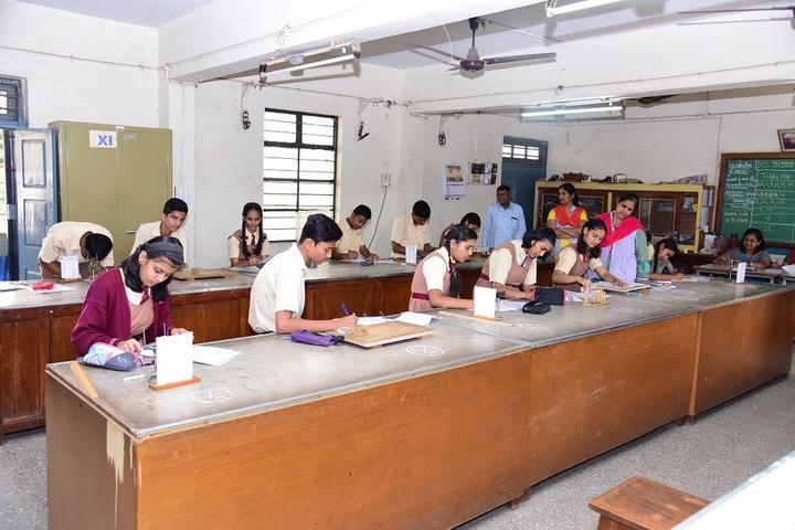Muktangan English School and Junior College-Physics Lab