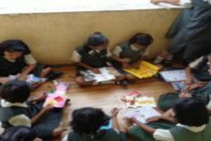 Priyadarshani School-Art and Craft