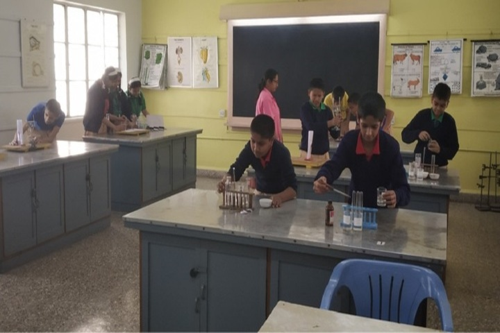 Acharya Shree Vijay Vallabh School-Chemistry Lab