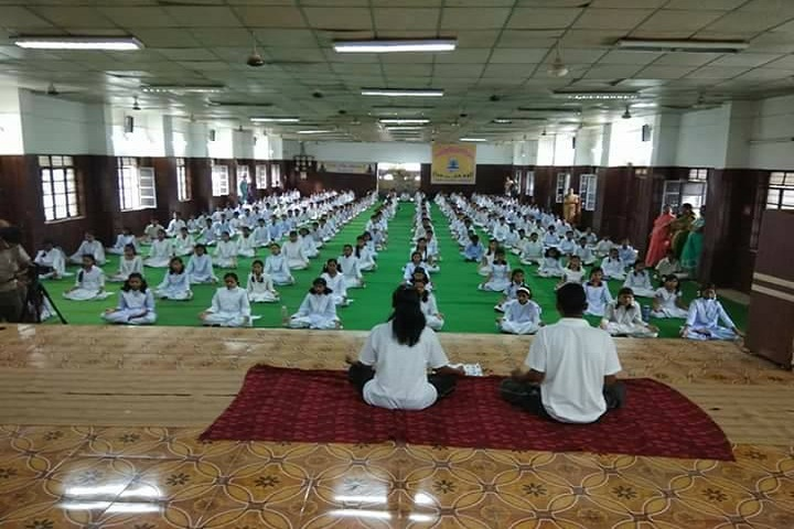 Hariram Gattani Memorial Jay Bharat English Medium School-Yoga Day