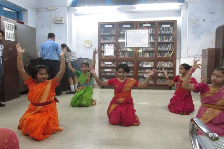 Hartley Higher Secondary School-Dance Activity