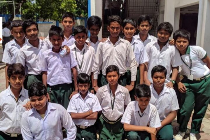 Madhyamgram High School-Students