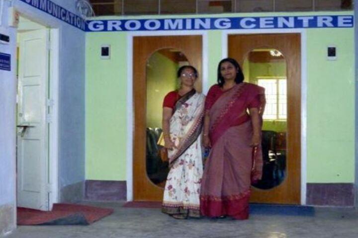 Niva Ananda Vidyalaya-Grooming Centre