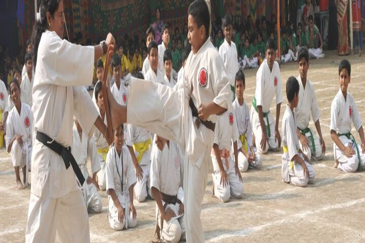Silver Point School-Karate