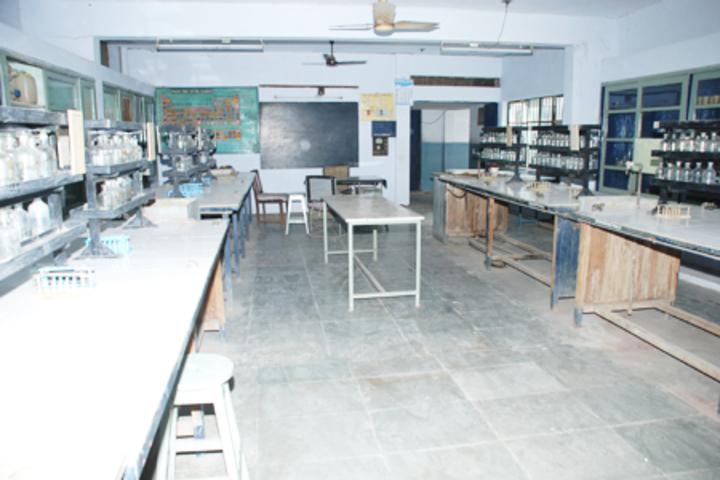 Jeevan Sadhana High School-Chemistry-Lab