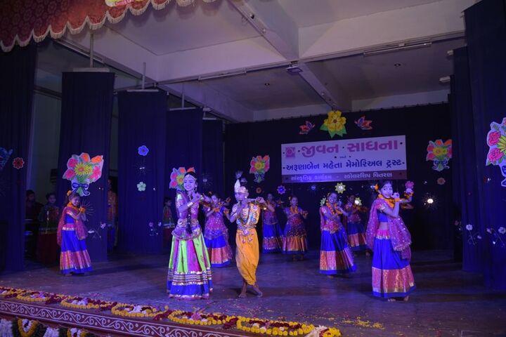 Jeevan Sadhana High School-Festivals