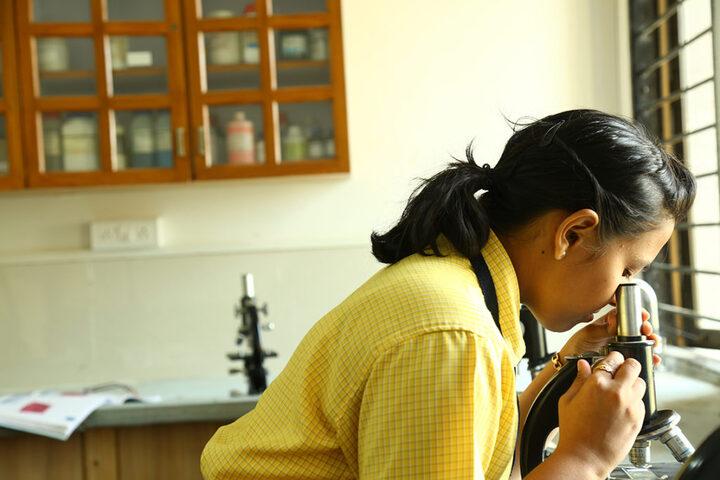 Shree Narayan English Medium School-Laboratory