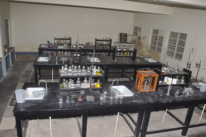 BES Evening PU College of Arts And Commerce-Chemistry Lab
