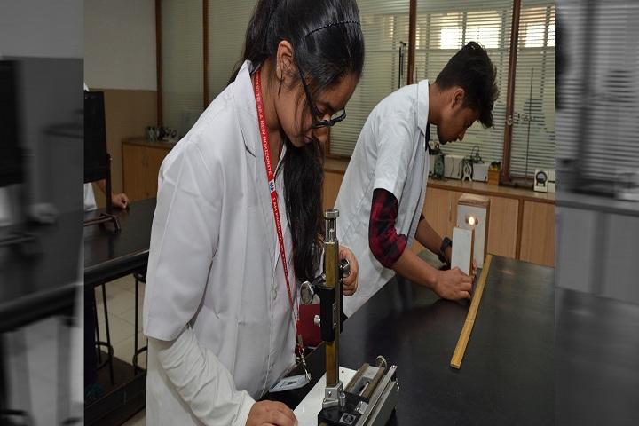 New Horizon Pre-University College-Physics-Lab