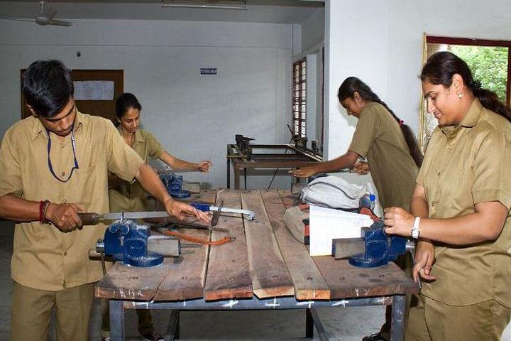 Sambhram Pre University College-Physics Lab