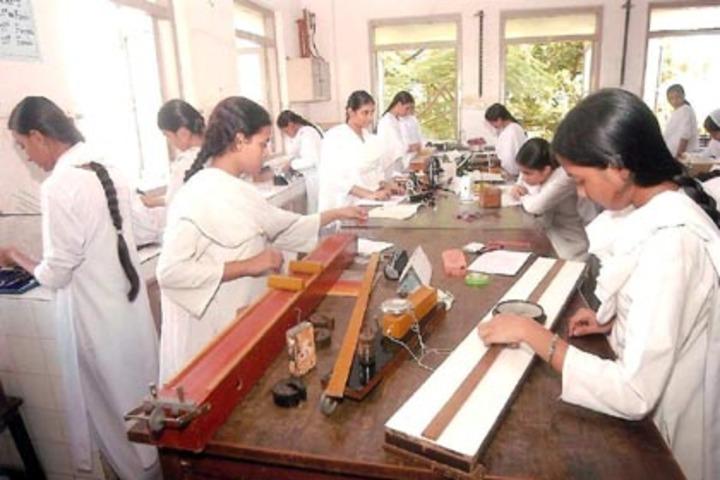 Anjuman I Islam S Saif Tyabji Girls High School And Junior College-Physics Lab