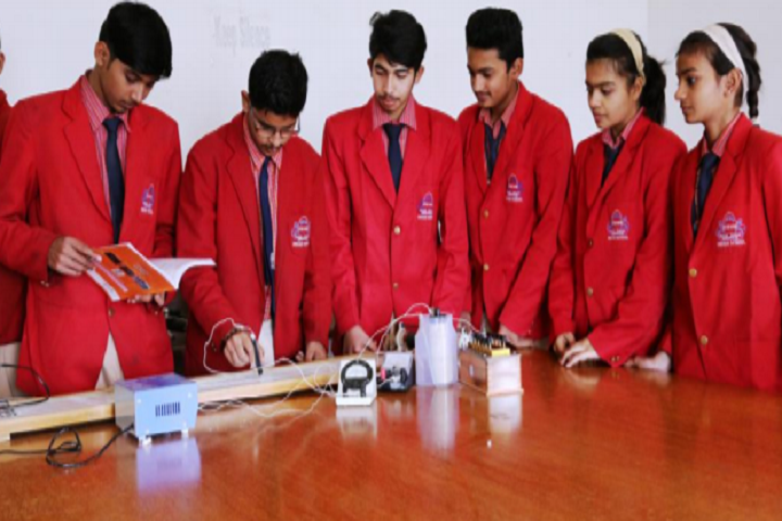 Indian School-Physic-Lab