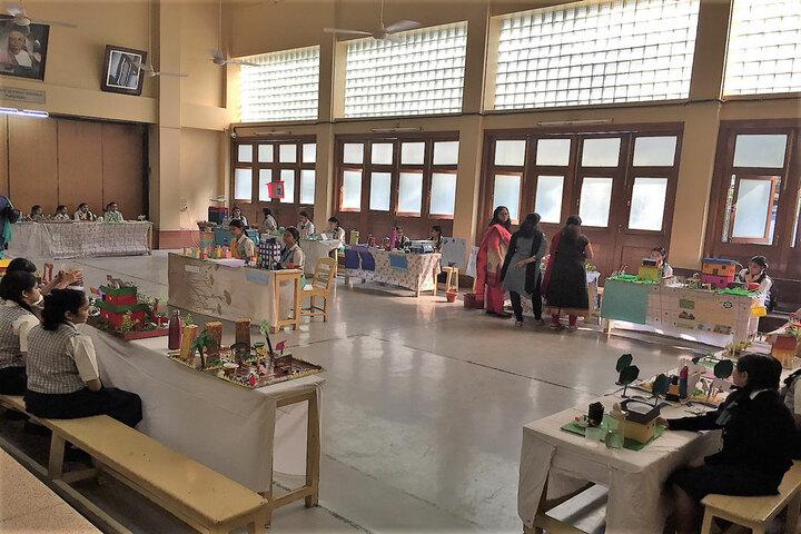 Bai Bhikhaijee Shapoorjee Bengallee Girls High School-Science Exhibition