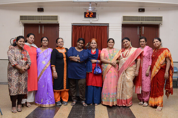 The Blossom Sunderbai Thackersey English High School-Teacheres Day