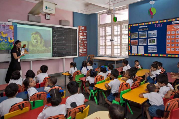 S E International School-Classroom