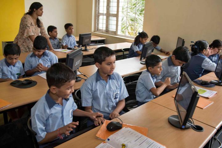 S E International School-Computer Lab