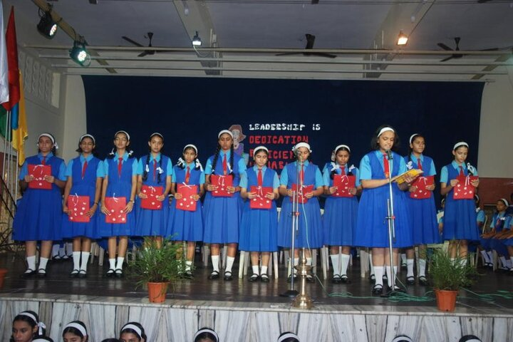 Mary Immaculate Girls High School-Singing
