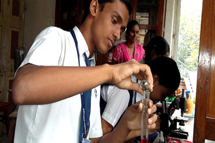 Matunga Premier School- Science Lab