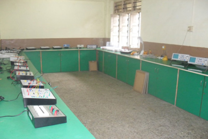 Pal Rajendra English High School-Physics Lab