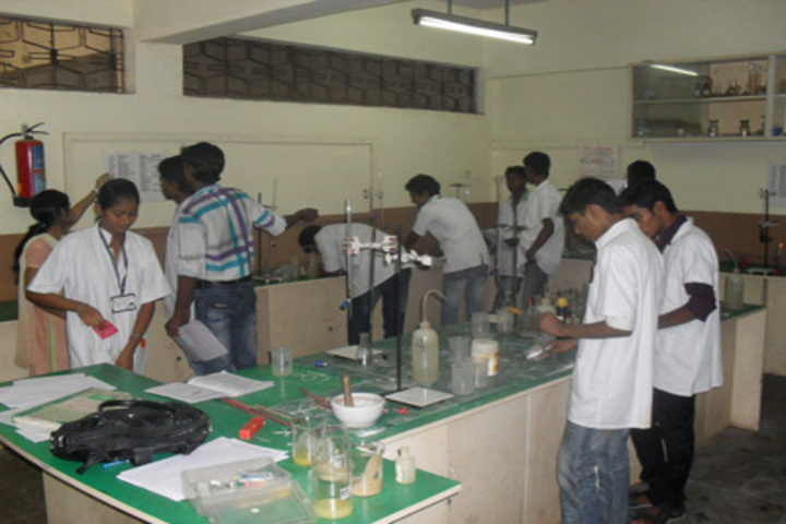 Pal Dharmendra Hindi High School-Chemistry Lab