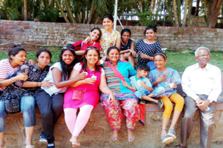 Pal Dharmendra Hindi High Schooll-School Trip
