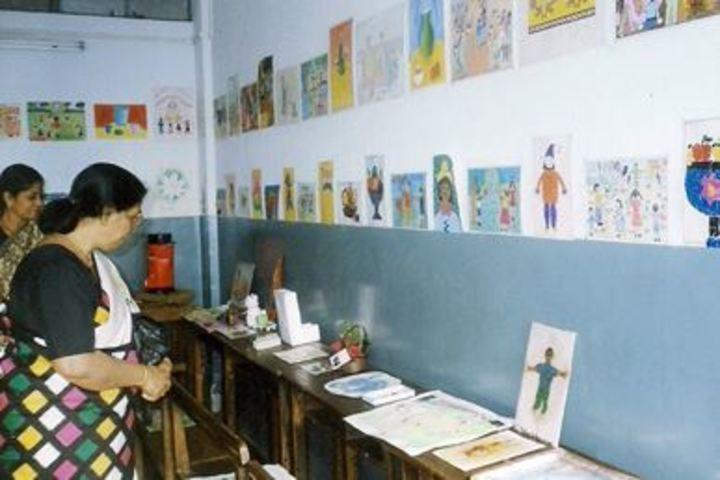 IES Modern English School-Creative Ability Exhibition
