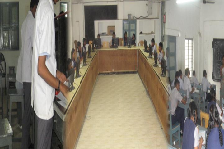 Valliammal Matriculation Higher Secondary School-Computer Lab