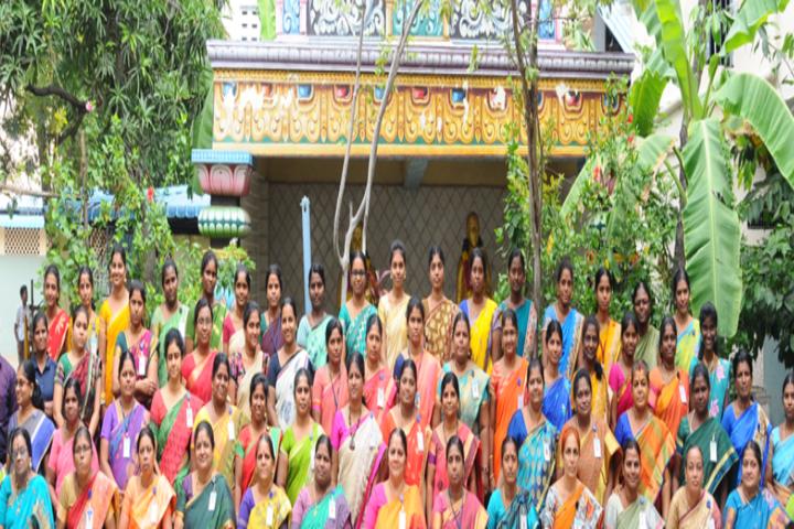 Valliammal Matriculation Higher Secondary School-Group Photo