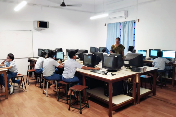 TI Matriculation Higher Secondary School-IT-Lab