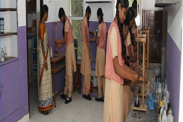 M P Aanandh Matriculation Higher Secondary School-Chemistry Lab