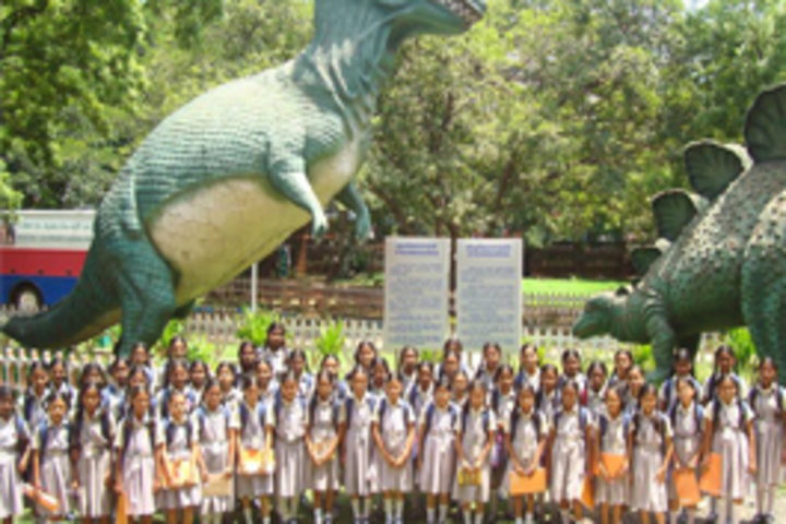 MKM Matriculation High Secondary School-Educational Tour