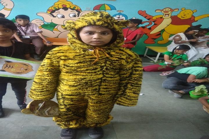 Sindhi Model Matriculation Higher Secondary School-Fancy Dress