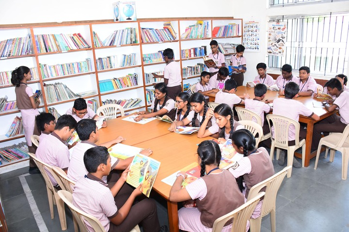 Sindhi Model Matriculation Higher Secondary School-Library