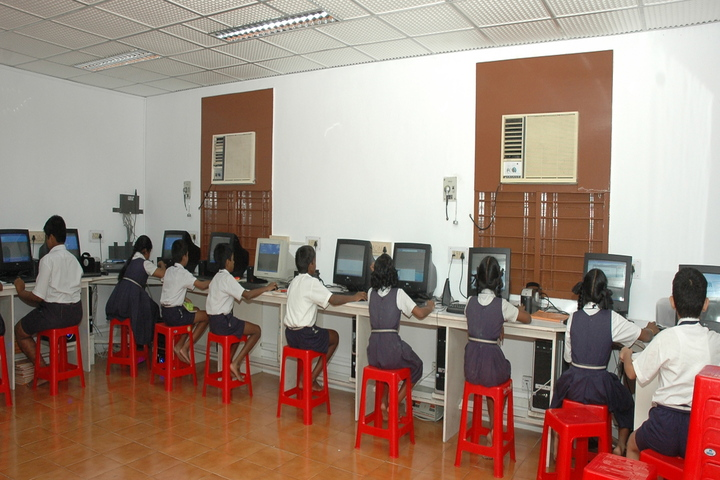 P S Matriculation Higher Secondary School-Computer Lab