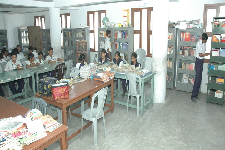 P S Matriculation Higher Secondary School-Library