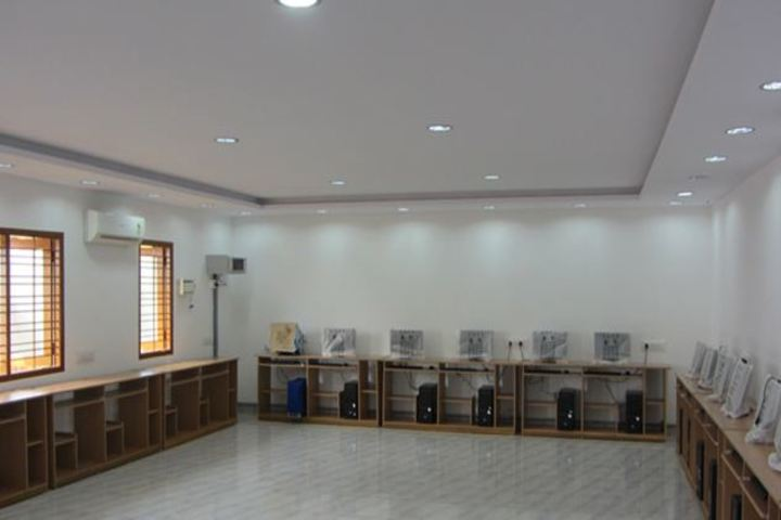 St Anthonys Anglo Indian High School-IT-Lab