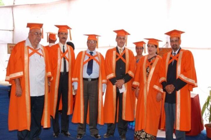 Bharati Vidyapeeth Pre Primary School English Medium-Convocation