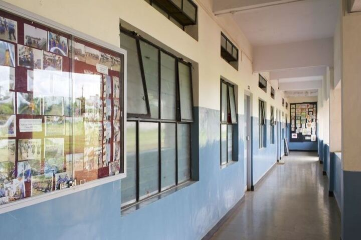 Bharati Vidyapeeth Pre Primary School English Medium-Corridor