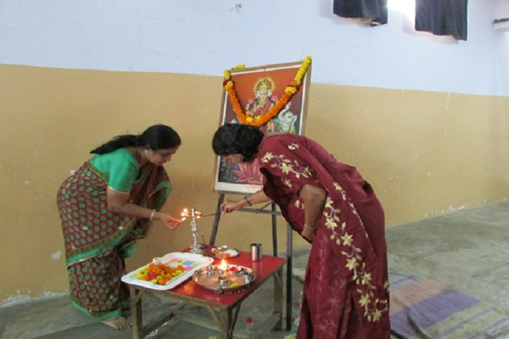 Tip Top Convent School-Linghting The Lamp